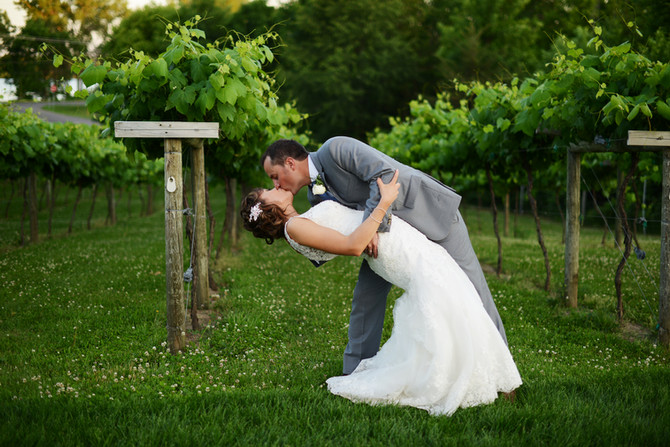 Introducing Mr and Mrs White {Winehaven Chisago City MN}