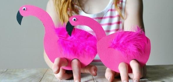 Flamingo finger puppets