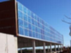 Solceller montet utenpå fasaden