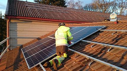 Solcellepaneler, solceller, batteri og energilagring
