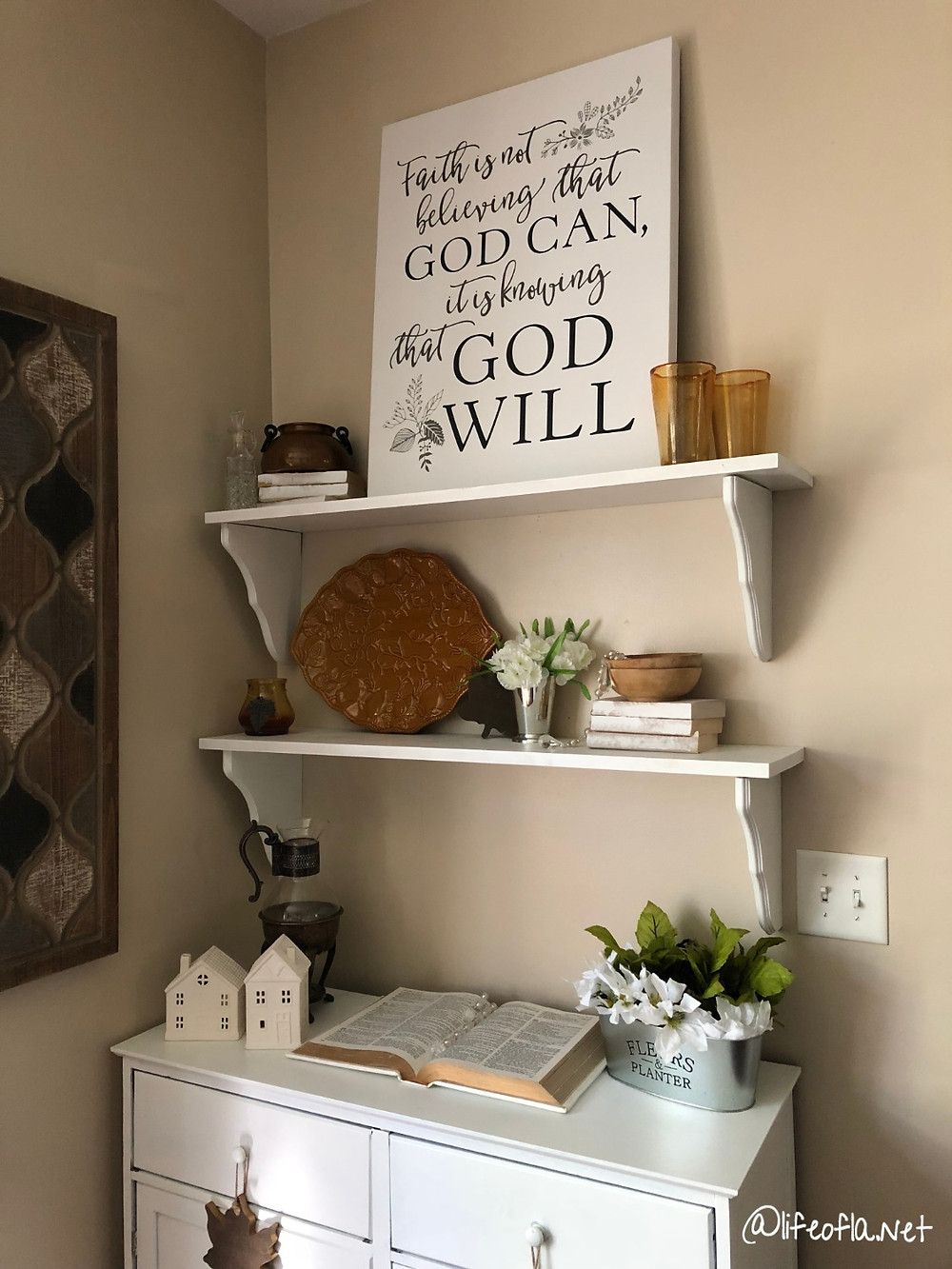 Simple Fall Shelves| Thanksgiving decor