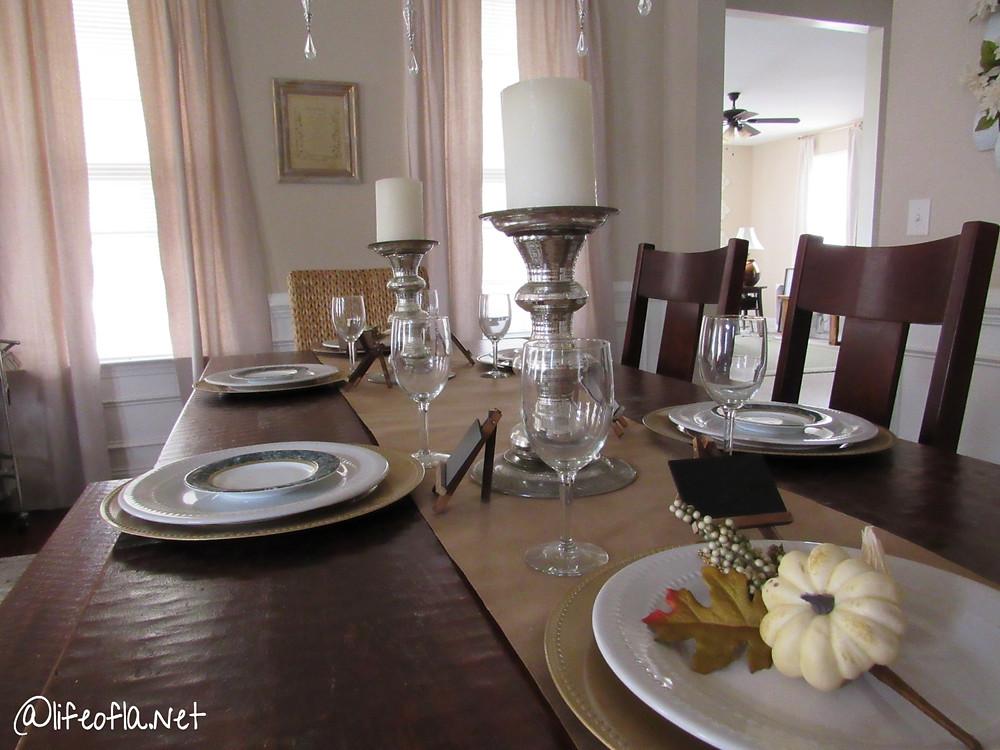 rustic farmhouse fall table decor