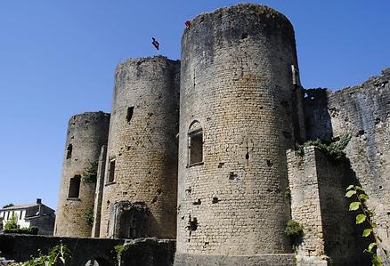 Château de Villandraut