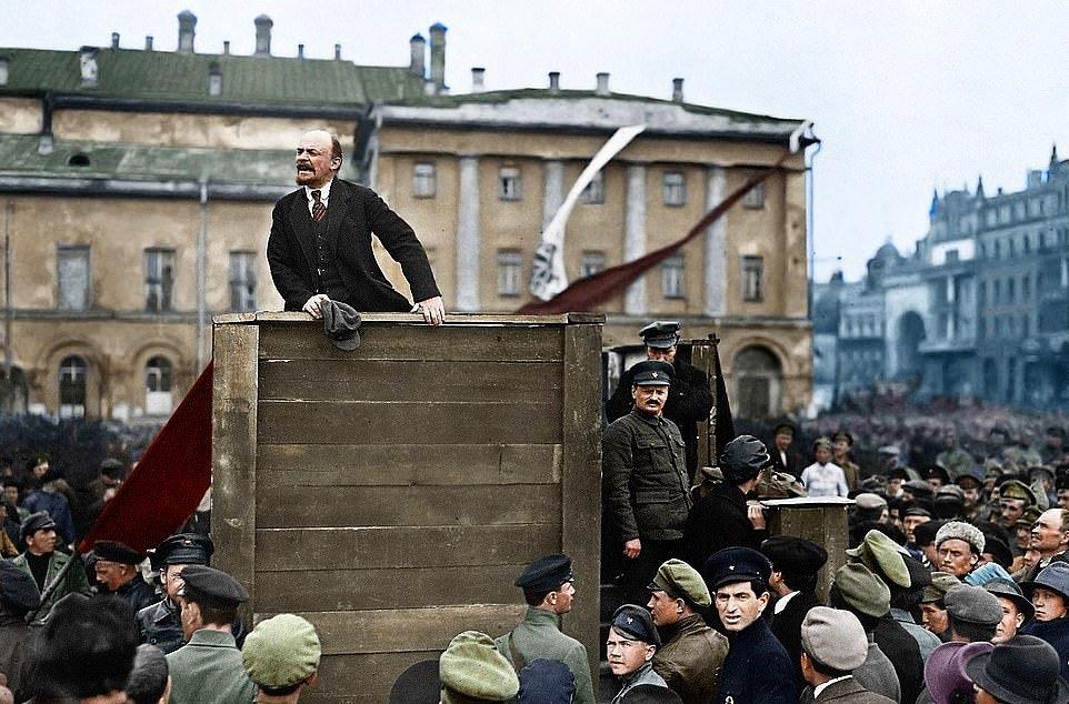 5314992-6306655-Lenin_speaking_to_red_ar