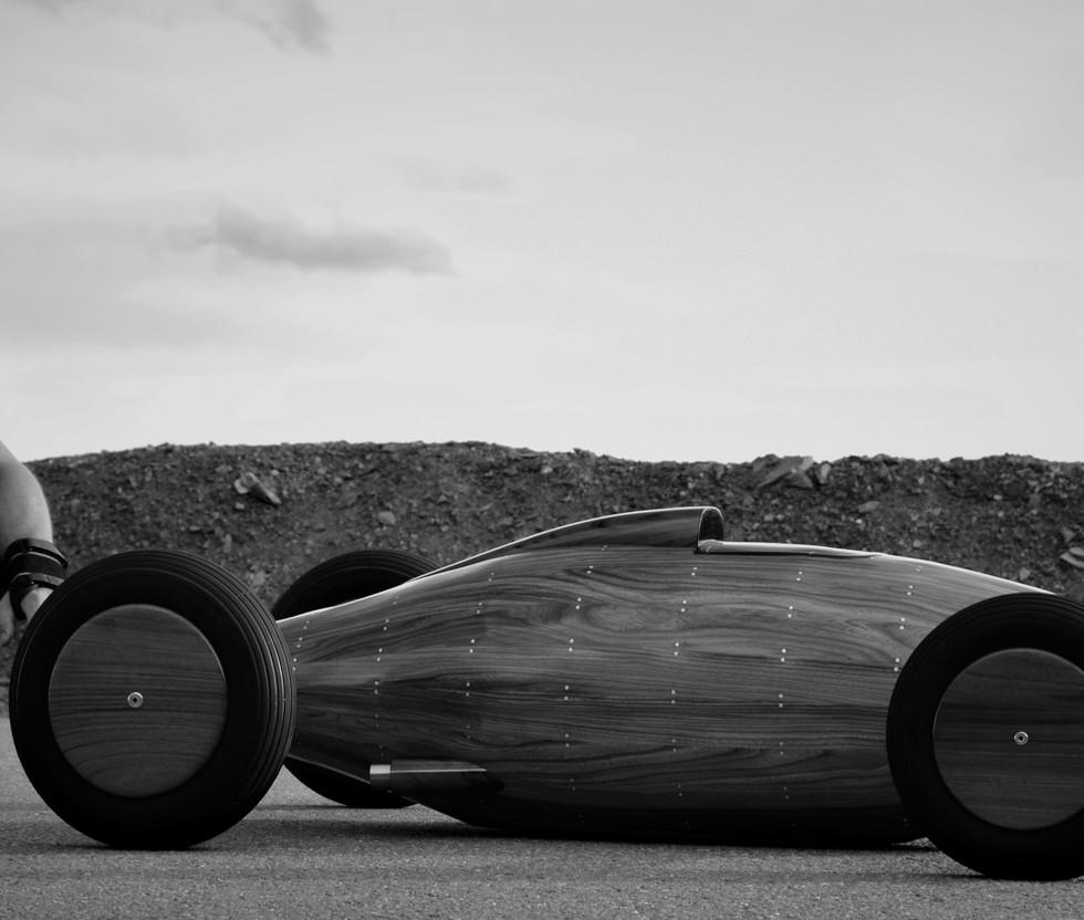 Automotive artist - French Sculptor - Etienne Franzak