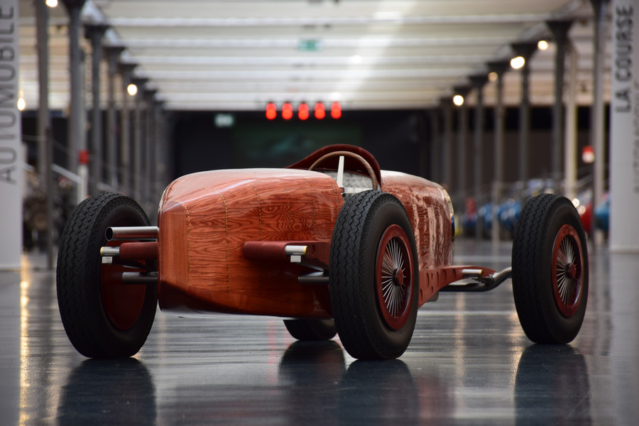 Automotive Sculpture Art by Etienne Franzak . Bugatti Type 59 grand prix Sculpture