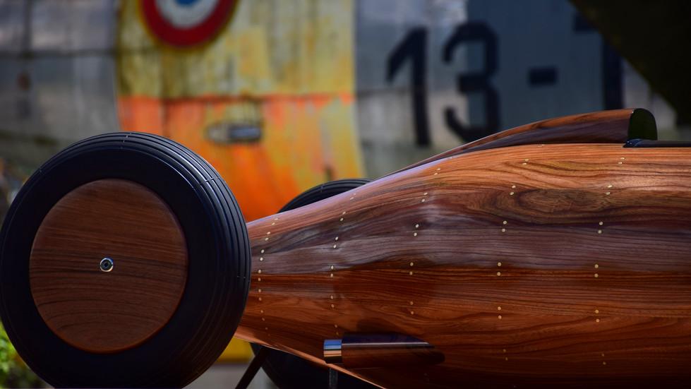 Wooden%20Belly%20Tank%20by%20EtienneBelly tank Sculpture by Etienne Franzak20F