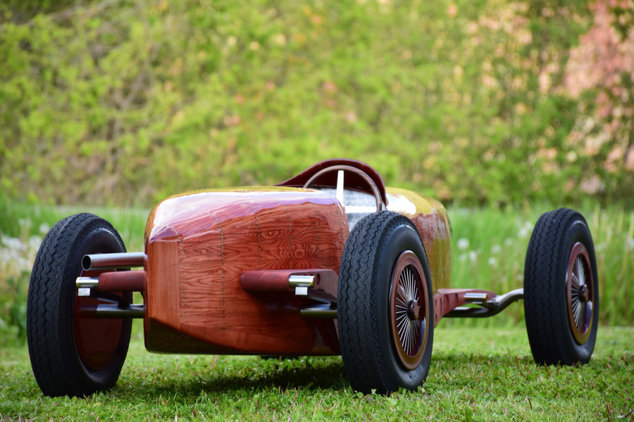 Bugatti Type 59 Grand Prix - Sculpture by Etienne Franzak