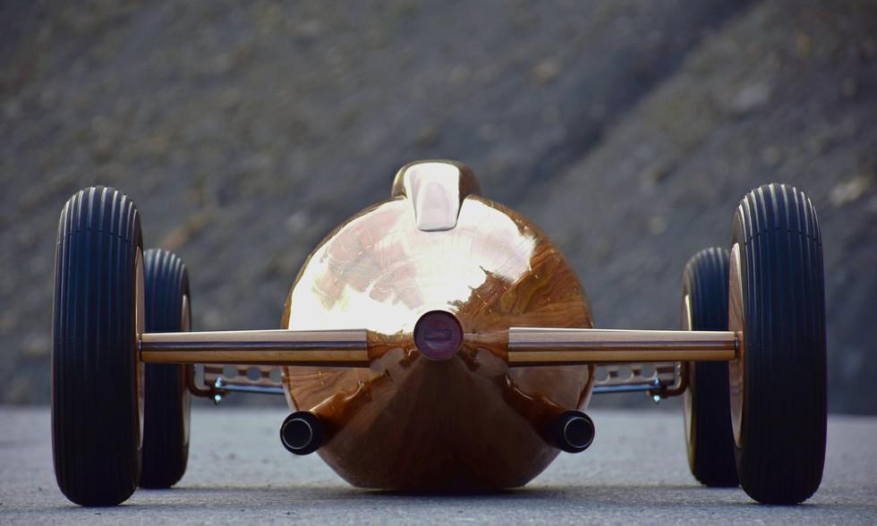 Belly tank Sculpture by Etienne Franzak