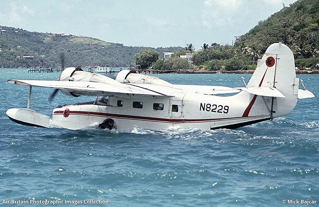 N8229 departs St. Thomas