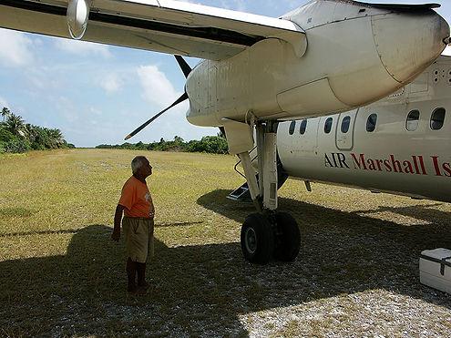 Dash_8-100_of_Air_Marshall_Islands.jpg