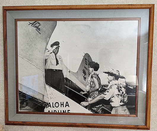aloha air dc3.jpg