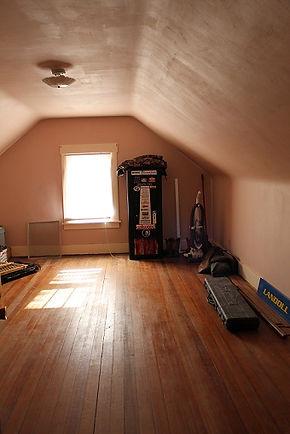 Macy upper floor bedroom.jpg