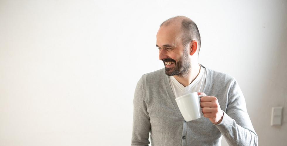 Alexander Dressler_mit Kaffee.jpg