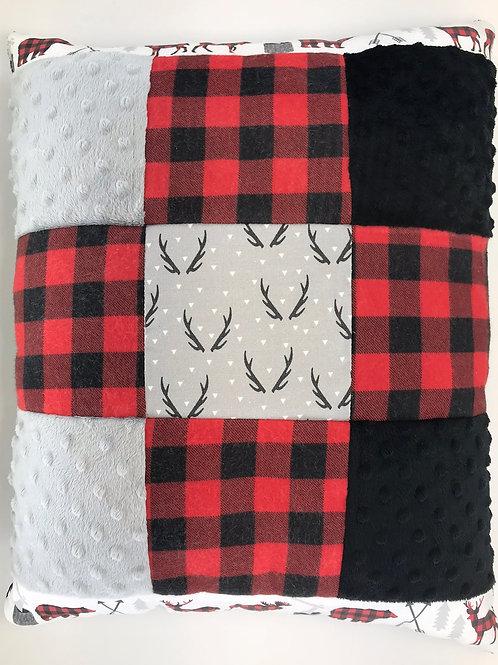 Chalet rustique à bandes et bois avec dessous en minky noir
