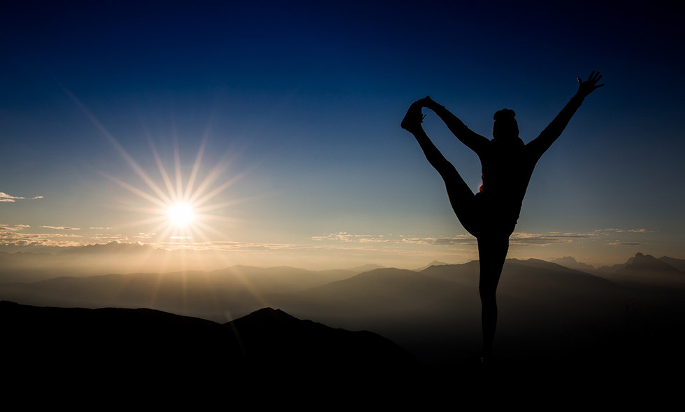 Yoga bei Sonnenaufgang