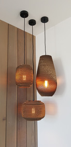 Feature pendant lights