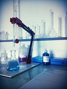 Analyses chimiques, tests rapides, dureté de l'eau, TA-TAC