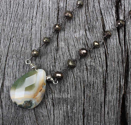 Agate, Chrysoprase and Pyrite