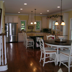 Kitchen with table.jpg