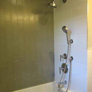 Bathroom Chan 1.JPG