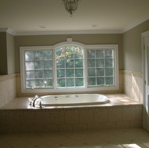 tub with large window.jpg