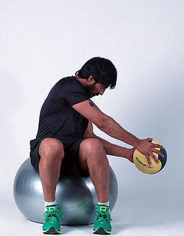 Side Twists on swissball