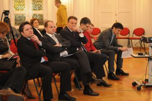 S lijeva na desno: Velimir Šonje, Siniša Hajdaš Dončić, Radimir Čačić