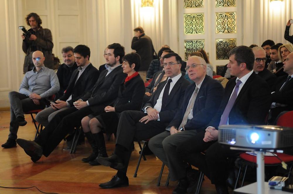 S lijeva na desno: Domagoj Ivan Milošević i Robin Harris