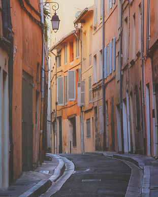 provence-typical-city-aix-provence-with-