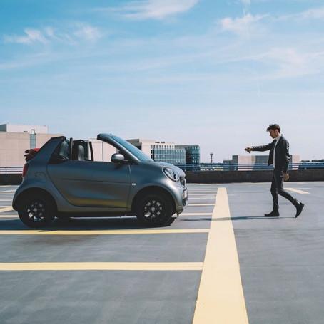 """Valorisation digitale de la nouvelle """"gamme EQ"""" : les véhicules 100% électriques de smart.  Client : smart Lyon"""