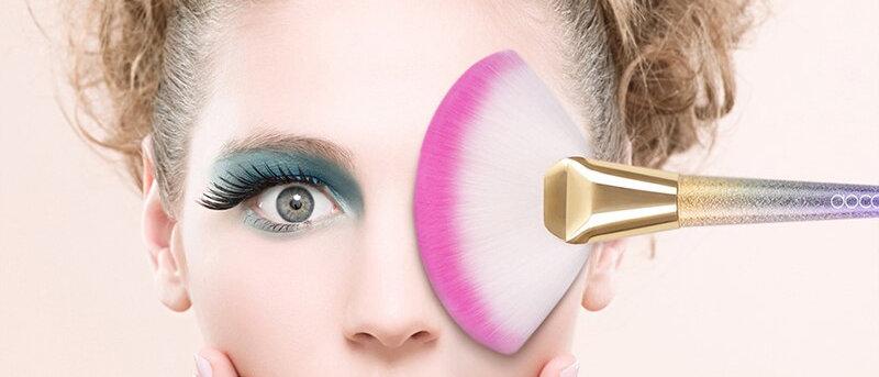 Professional 1pc Soft Makeup Large Fan Brush