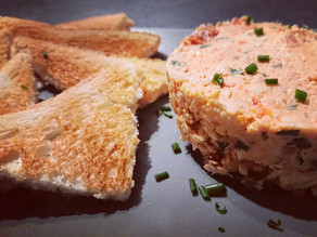 Rillettes anti-gaspi au poulet, tomates séchées et fromage frais avec le Turbotup Tupperware