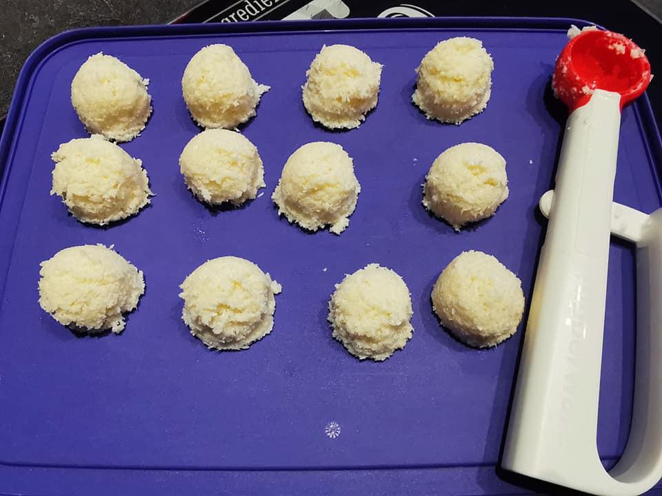 Bouchées noix de coco avec cuillère portions Tupperware
