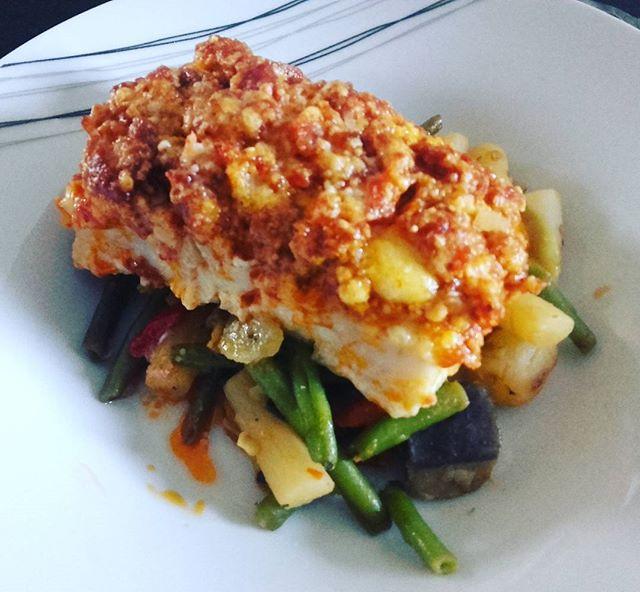 Filet de poisson crumble chorizo parmesan dans l'ultra pro Tupperware