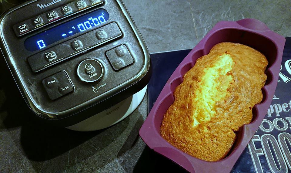 Quatre- quarts facile au Companion, avec le moule à cake Tupperware