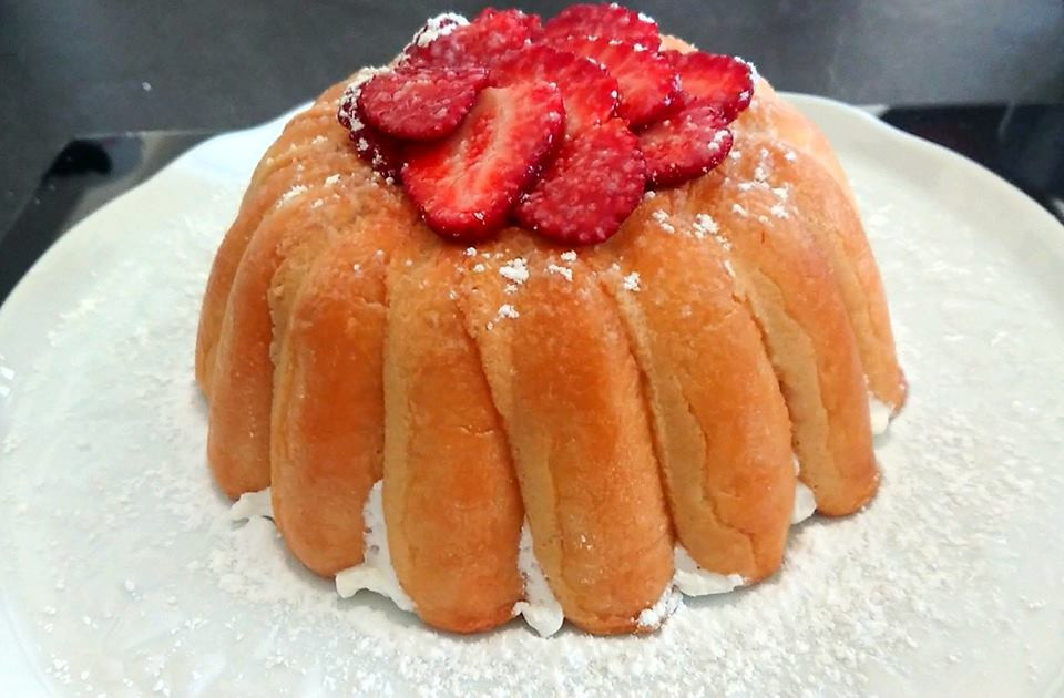 Charlotte aux fraises facile avec le Speedy Chef Tupperware