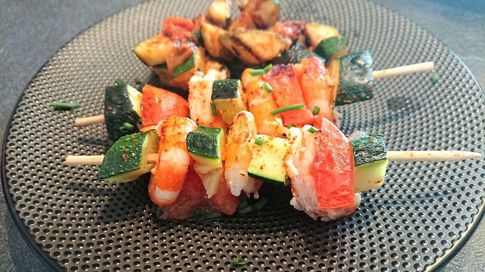Brochettes de crevettes courgettes et tomates