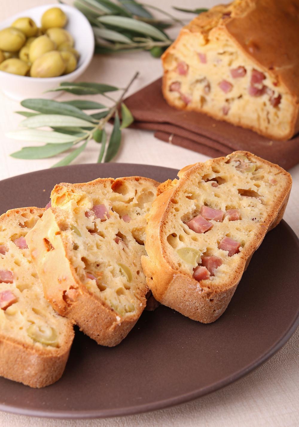 Cake aux lardons et aux olives Tupperware