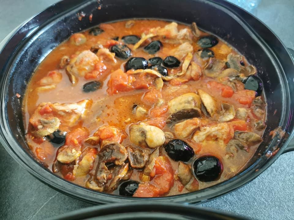porc aux olives dans le micro 3 Tupperware
