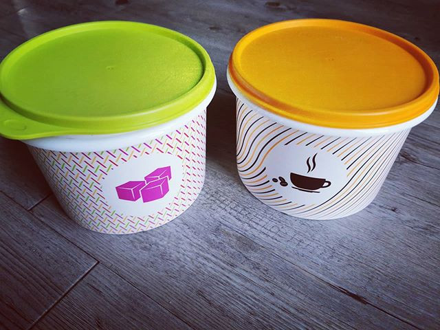 Lot de 2 boites (sucre et café) Tupperware