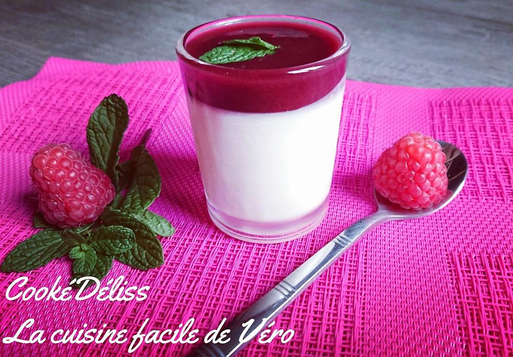 Panna cotta gourmande et inratable aux fruits rouges