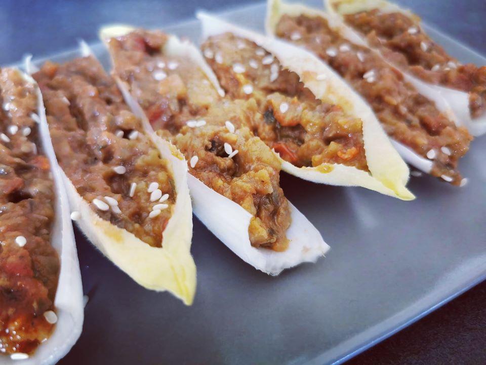 barquettes d'endive au caviar d'aubergine, apéro, végétarien, healthy, légumes