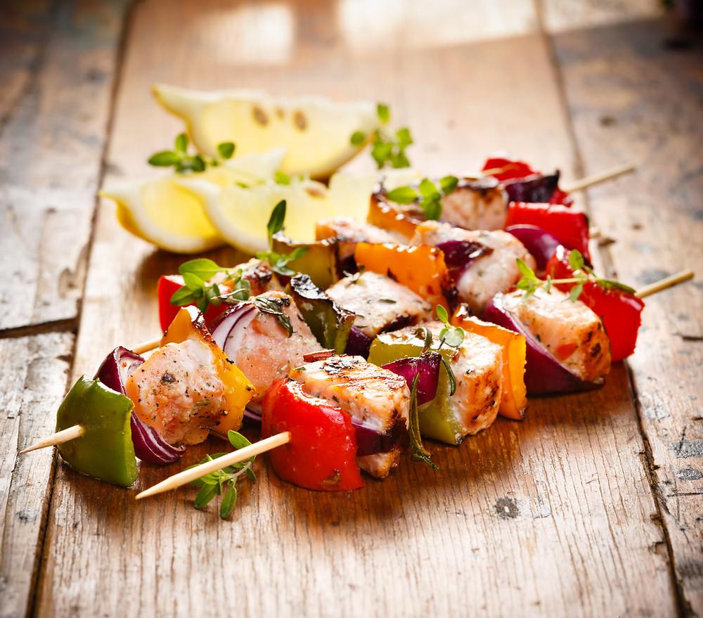 Brochettes de poisson aux légumes