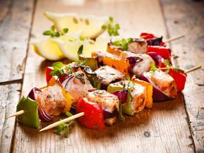 Brochettes de poisson aux légumes dans le micro pro grill Tupperware