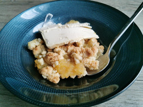 Recette rapide du crumble compote de pommes dans la tourtière ultra pro Tupperware