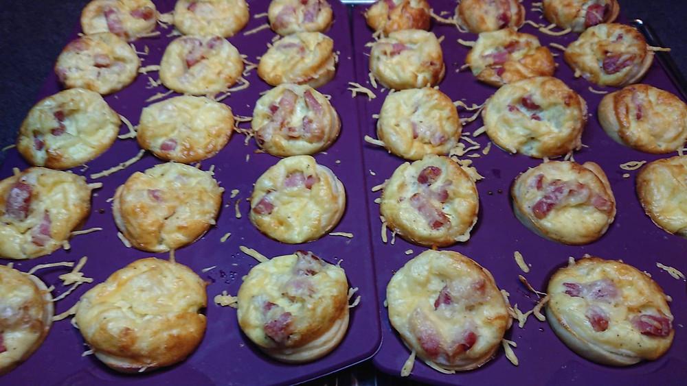 Mini quiches lardons fromage dans le moule à mini tartelettes Tupperware