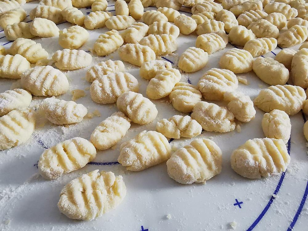 Gnocchis fait maison avant cuisson, farine, strie