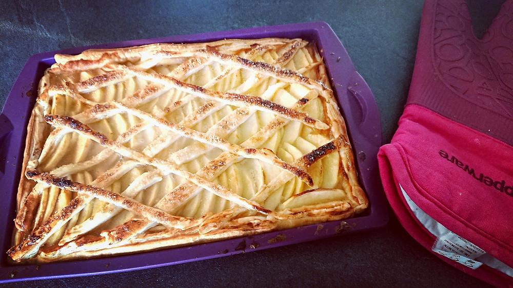 Tarte aux pommes dans le moule rectangle Tupperware