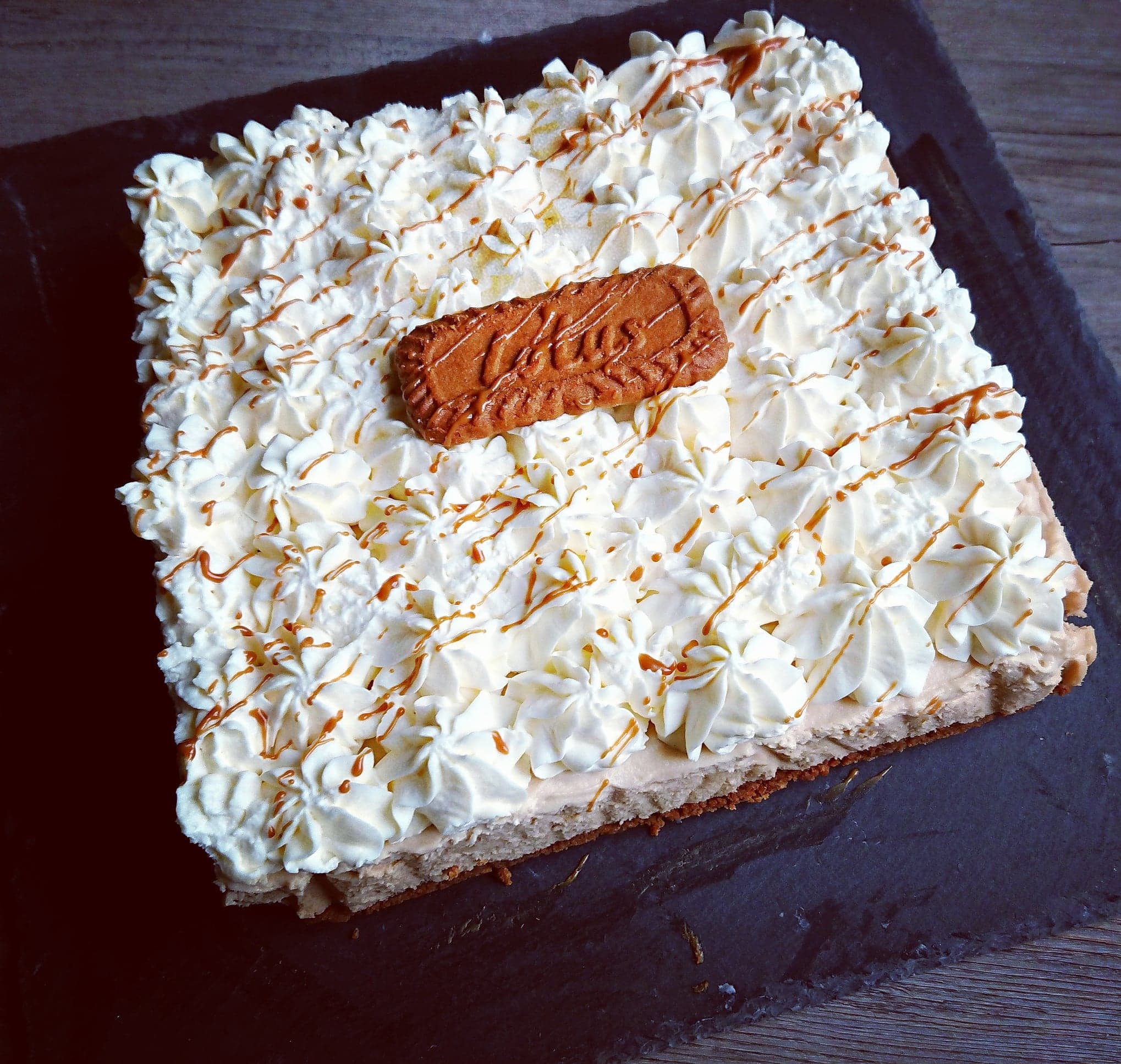 Gâteau carré spéculoos chantilly chocolat blanc